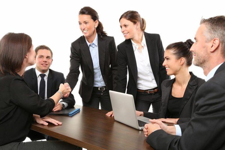 W jaki sposób wybrać usługi prawne?
