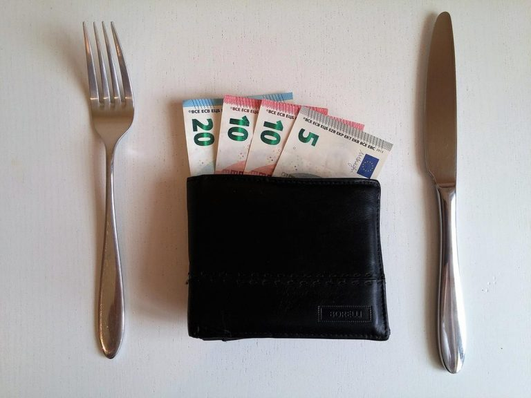 Świetne sposoby, jak mądrze obchodzić się z pieniędzmi